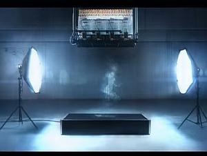 落下する水滴で描いた人間が走るストップモーションアニメ