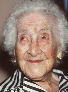 124歳まで生きたジャンヌ・カルマンの瞳の色