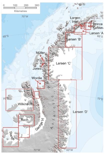 南極の長方形の氷山はラーセンCから分離した