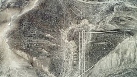 パルパ砂漠で新たな25の地上絵