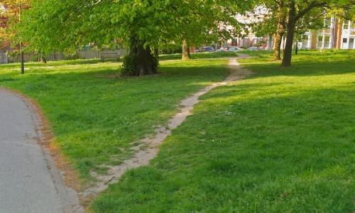 芝生の踏み分け道から歩道を作る新しい設計法